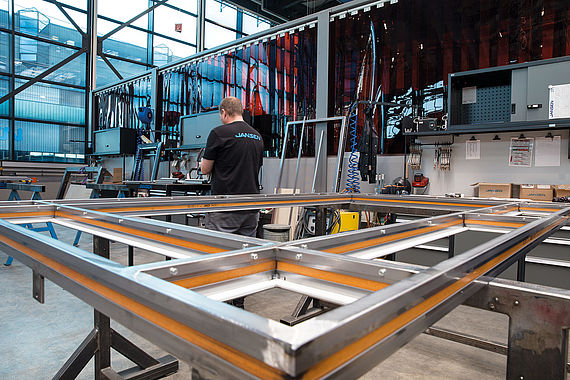Metalworking facilities for Jansen steel systems and Schüco aluminium systems